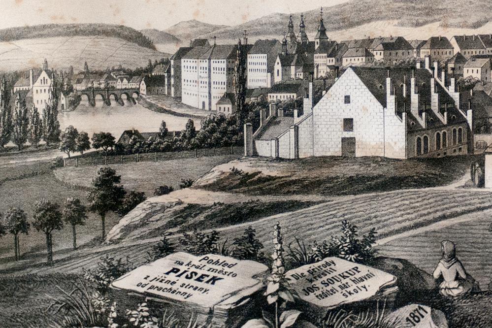 Výhled na Písek z Prachárny (Pakšovky) z roku 1871. V popředí nově vybudované sklepy pivovaru, vzadu sladovna. (Výřez z archivního obrázku Muzea)