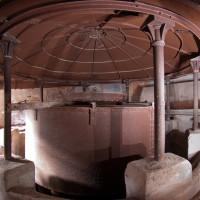 Poněkud stísněné prostory v horní části topeniště.