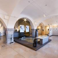 Souznění industriální architektury a moderního umění.