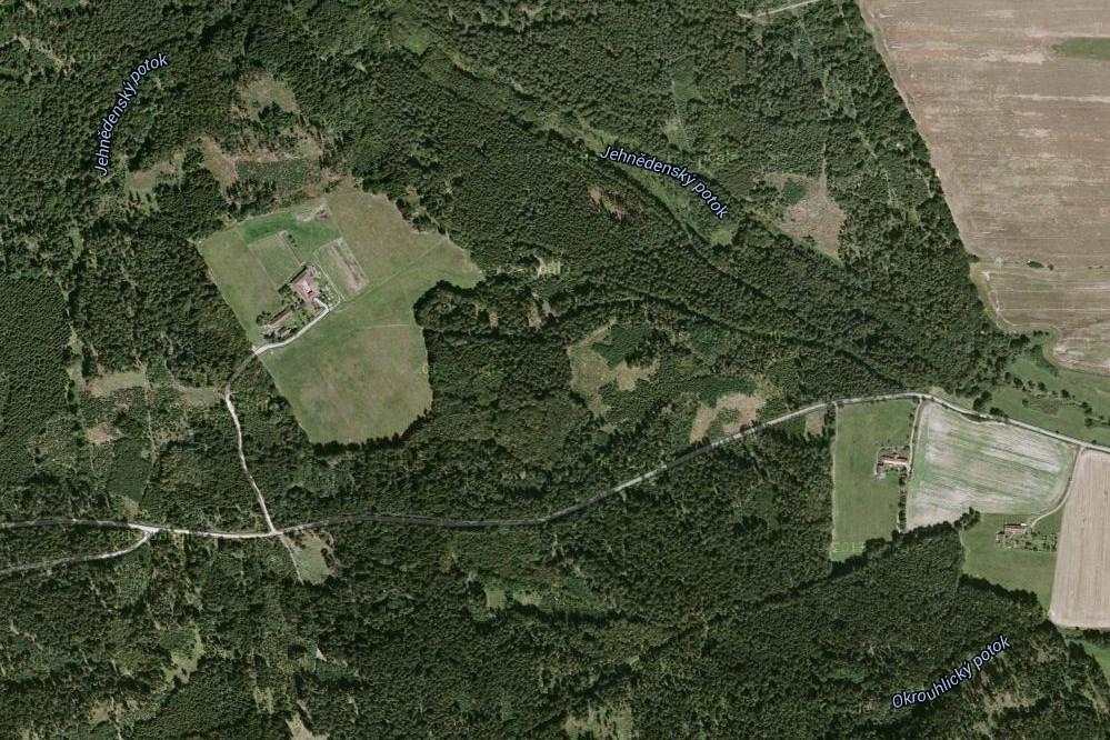 Letecká mapa okolí Karvašin (googlemaps)