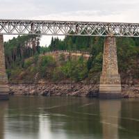 Červenský viadukt v cca 93% kráse. Něco pod vodou ještě pořád zůstalo…